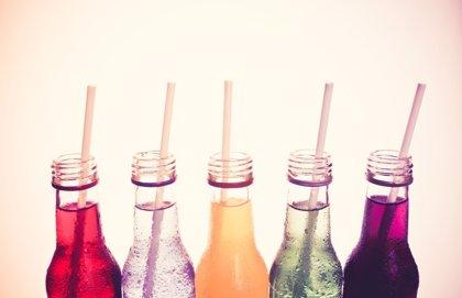 Todas las razones por las que decir 'no' a una bebida azucarada, ¿cuál es la peor?