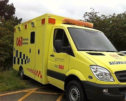 El 061 asistió a 49 personas debido a 39 accidentes de tráfico el fin de semana en Galicia, de las que una murió