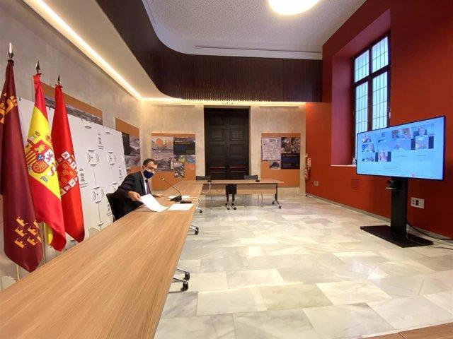 Ballesta preside la reunión con carácter urgente de los miembros del Equipo de Gobierno de Murcia