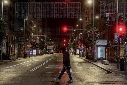 Estado de alarma: Así se han vaciado las calles de las ciudades tras el toque de queda, en imágenes