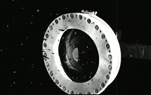 La misión OSIRIS-REx consigue abundante material del asteroide Bennu