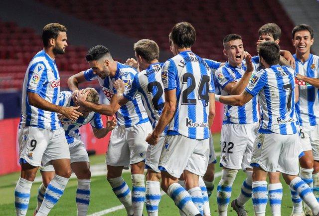 Fútbol.- La Real Sociedad renuncia a disputar con público el partido ante el Náp