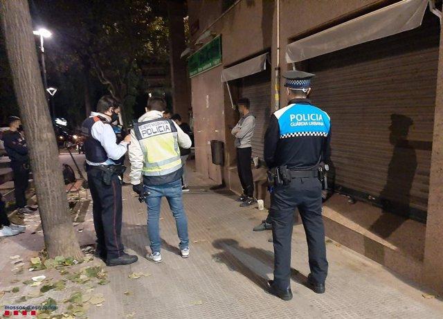 Tres detinguts i 96 identificats en un dispositiu a Reus (Tarragona)