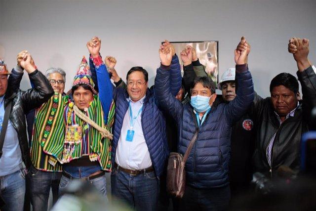 Luis Arce, candidato del MAS, celebra su victoria en Bolivia