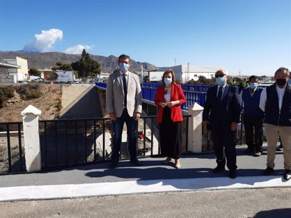 Abre al tráfico el nuevo puente del Río de Adra tras una inversión en su remodelación de 1,24 millones