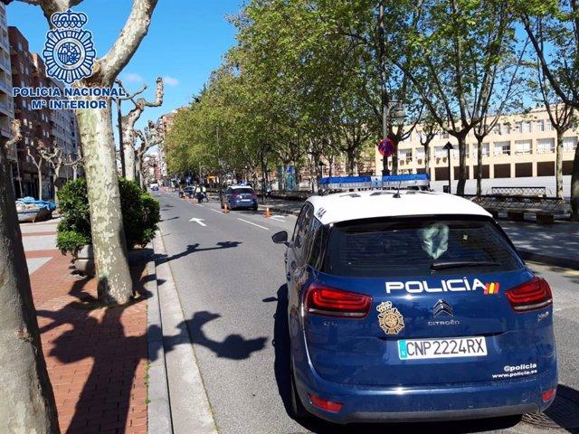 Control policíal en Logroño junto al Ayuntamiento