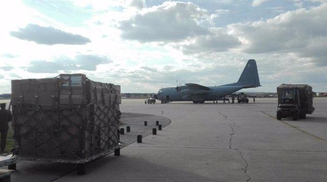 Embalaje de material sanitario para la protección frente al coronavirus donado por la República Checa que ha sido trasladado por un avión del Ejército del Aire que ha aterrizado en la base aérea de Torrejón de Ardoz, Madrid (España) a 29 de marzo