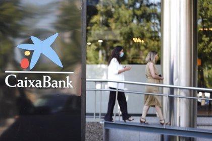 La plantilla de CaixaBank aboga por el teletrabajo y cerrar oficinas por las tardes ante el avance del Covid
