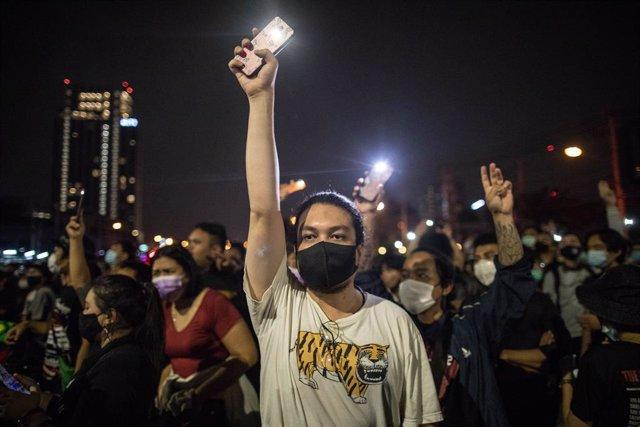 Tailandia.- Manifestantes tailandeses protestan frente a la Embajada de Alemania