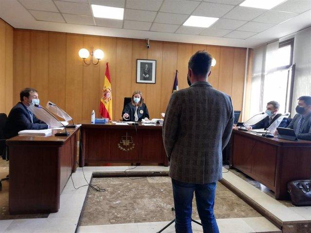 Juicio al hijo de Bartolomé Cursach por presuntas calumnias al juez Penalva y el fiscal Subirán.