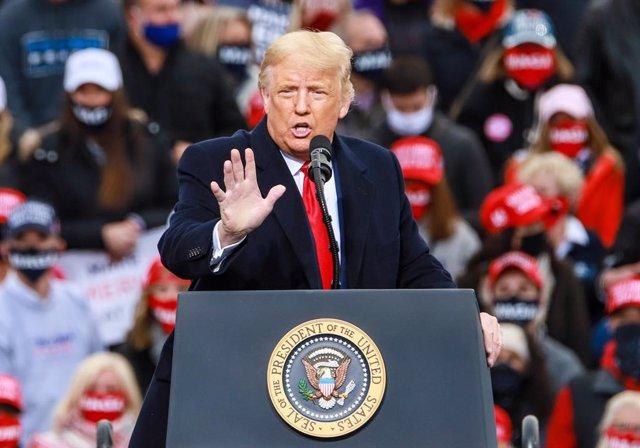 """EEUU.- Trump denuncia una """"conspiración de noticias falsas"""" centrada en la COVID"""