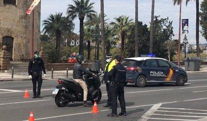 Fallece un conductor de 41 años en Sevilla al volcar su vehículo junto a la Torre del Oro