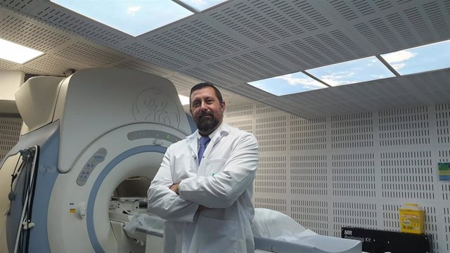Doctor De la Chica de Hospital Quirónsalud Málaga
