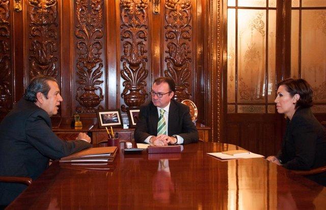 El exministro de Hacienda Luis Videgaray Caso, el exgobernador de Guerrero Rogelio Ortega y la exministra de Desarrollo Social Rosario Robles Berlanga.