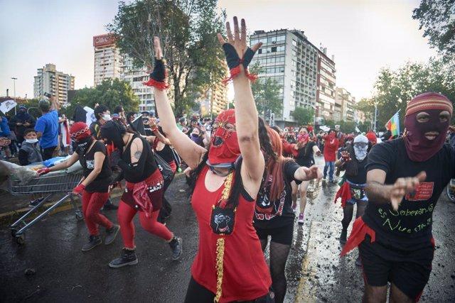 "IU celebra que Chile ponga fin a la constitución de Pinochet y abra un ""esperanz"