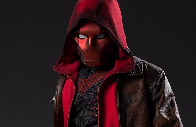 Primera imagen de Capucha Roja en Titans