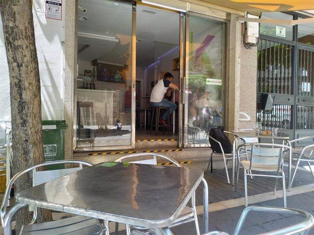 Bar de Mérida con la terraza vacía
