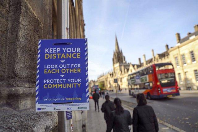 Coronavirus.- Reino Unido suma más de 20.000 nuevos casos de COVID-19 y endurece