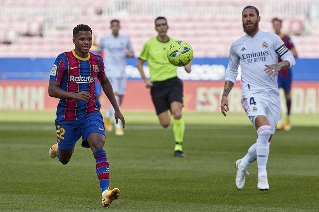 Fútbol.- El Barça estudiará los audios arbitrales previos al penalti en el Clási
