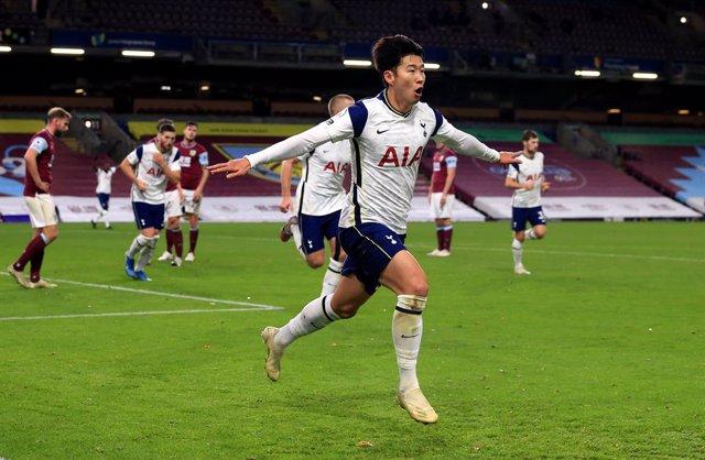 Fútbol/Premier.- (Crónica) La dupla Kane-Son da vida al Tottenham ante el Burnle