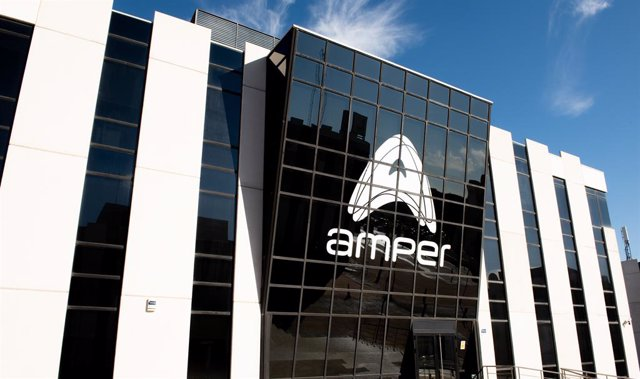 Economía.- Amper se posiciona en las energías renovables y consigue un contrato