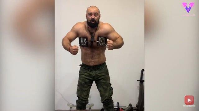 Conoce a Sergey Tsyrulnikov, el hombre que rompe cadenas y bridas con la fuerza de sus músculos