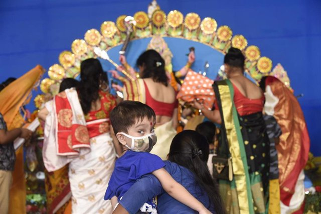Celebracioón de un festival religioso en Guwahati, en el estado indio de Assam.