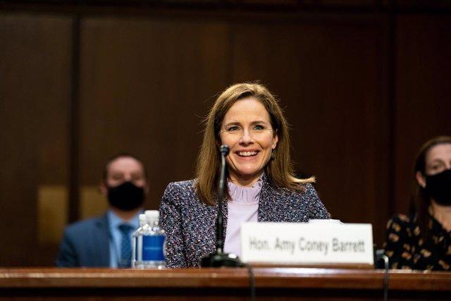 Amy Coney Barrett compareix en la Comissió de Justícia del Senat.