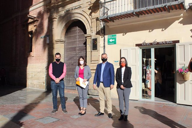Noelia Losada y Javier Pareja informan de una moción sobre cultura