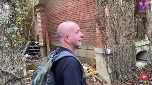 """Dos exploradores visitan Poveglia, la aterradora isla de Venecia, conocida como """"la isla de los fantasmas"""""""