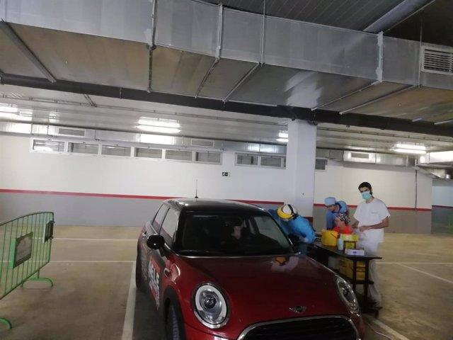 Autocovid ubicado en el sótano del centro sanitario Carlos Castilla del Pino, en la capital cordobesa.
