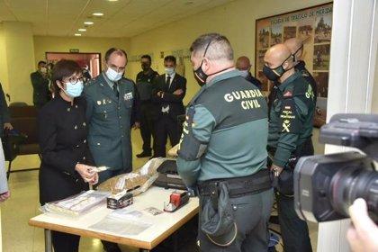 Cuatro detenidos tras la incautación de 53 toneladas de hojas de tabaco ilegal ocultas en una nave en Lobón (Badajoz)