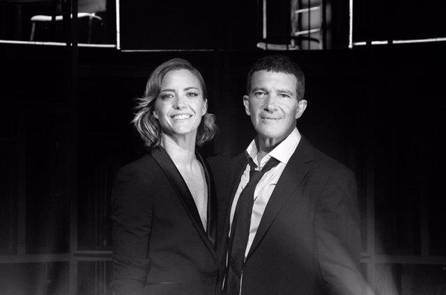 Antonio Banderas y María Casado presentarán el programa musical 'Escena en Blanco y Negro' en Amazon Prime Video