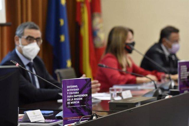 Presentación en rueda de prensa de los estudios 'Situación y perspectivas del emprendimiento en la Región de Murcia ante la crisis de la Covid-2019' y 'Las iniciativas emprendedoras de la Región de Murcia 2019'.