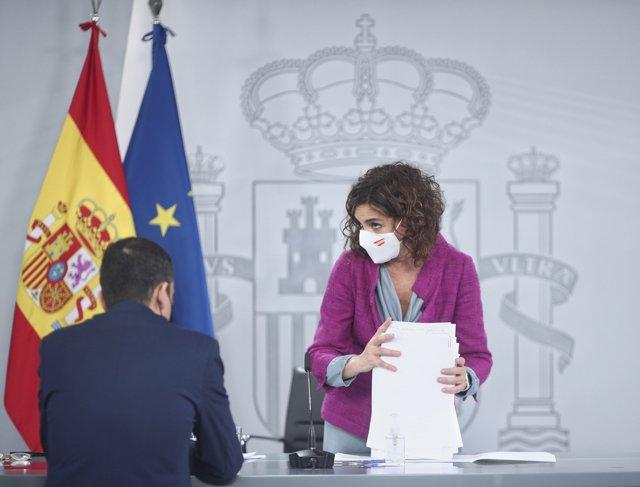 La ministra portavoz y de Hacienda, María Jesús Montero, al término de la rueda de prensa posterior al Consejo de Ministros celebrado en Moncloa, a 27 de octubre de 2020.
