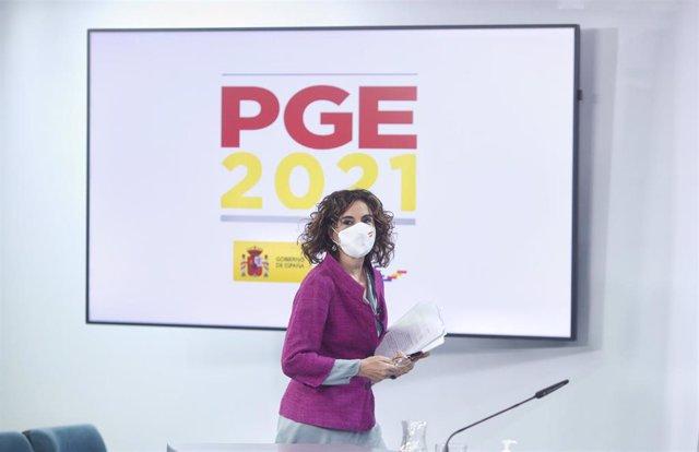 La ministra portavoz y de Hacienda, María Jesús Montero, a su llegada a una rueda de prensa posterior al Consejo de Ministros