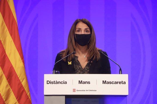 La consellera de Presidència i portaveu del Govern, Meritxell Budó, en roda de premsa telemàtica.