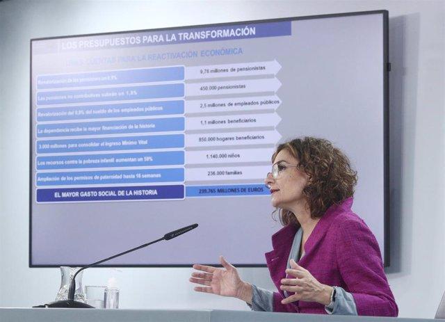 La ministra portavoz y de Hacienda, María Jesús Montero, comparece en rueda de prensa posterior al Consejo de Ministros para detallar el anteproyecto de Presupuestos Generales del Estado