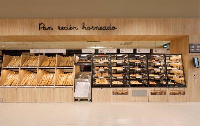 Instantánea de la panadería de un supermercado de Madrid.