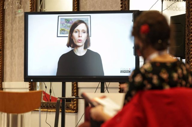 La directora Lili Horvát presenta en Seminci su segundo largometraje, 'Preparations to be Together for an Unknown Period of Time'.