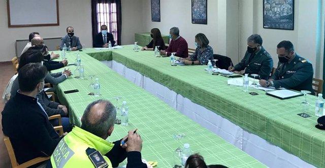 Reunión entre SUbdelegación y ayuntamientos de la Sierra de cara al puente de noviembre