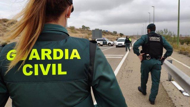 Control de la Guardia Civil para cumplimiento del confinamiento perimetral.