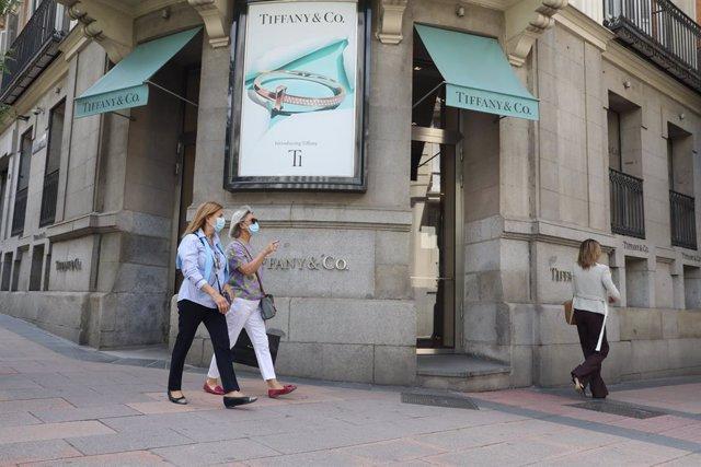 EEUU/Francia.- LVMH y Tiffany tratan de salvar su fusión con una rebaja en el pr