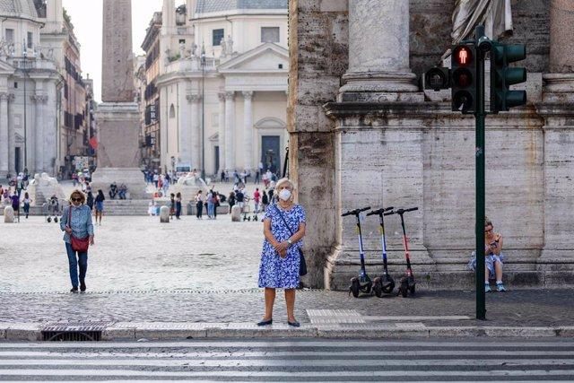 Coronavirus.- Italia suma otro récord de contagios con casi 22.000 más en el últ