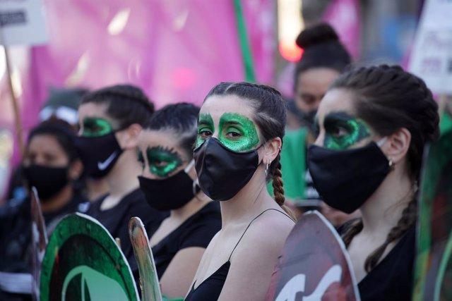 """Argentina.- Alberto Fernández reafirma su """"compromiso"""" para legalizar el aborto"""