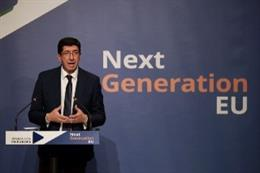 El vicepresidente de la Junta de Andalucía y consejero de Turismo, Regeneración, Justicia y Administración Local, Juan Marín, presenta a representantes políticos y agentes económicos la 'Oficina Next Generation'.