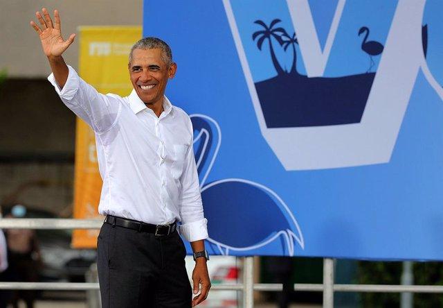 """EEUU.- Obama arremete contra Trump por su gestión de la pandemia: """"Más de 225.00"""