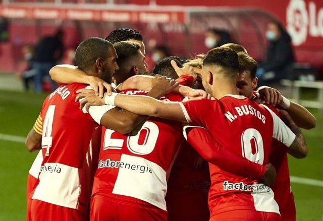 Fútbol/Segunda.- El Girona acaba con la buena racha del Cartagena