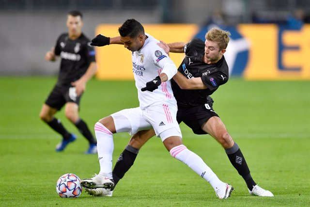 Fútbol/Champions.- Crónica del Borussia Moenchengladbach - Real Madrid, 2-2