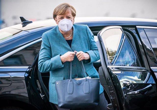 Angela Merkel a su llegada al Reichstag para una reunión